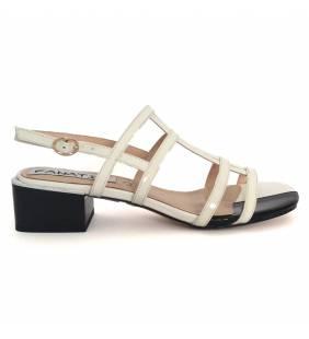 Sandalia piel charol blanco y negro 030