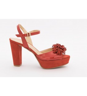 Sandalia piel charol rojo 817
